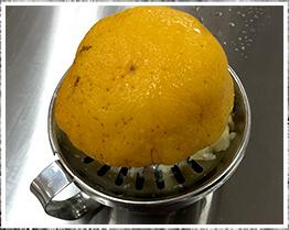ナルトオレンジの果汁写真